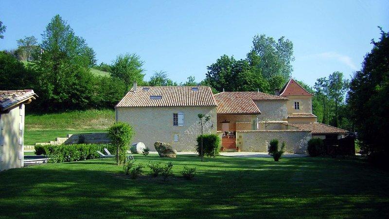 Le Moulin gîte de charme proche de St Emilion, holiday rental in Cessac