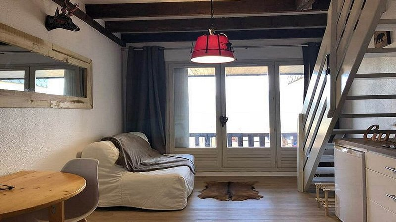 Appartement cosy aux Angles avec vue sur Lac, holiday rental in Les Angles
