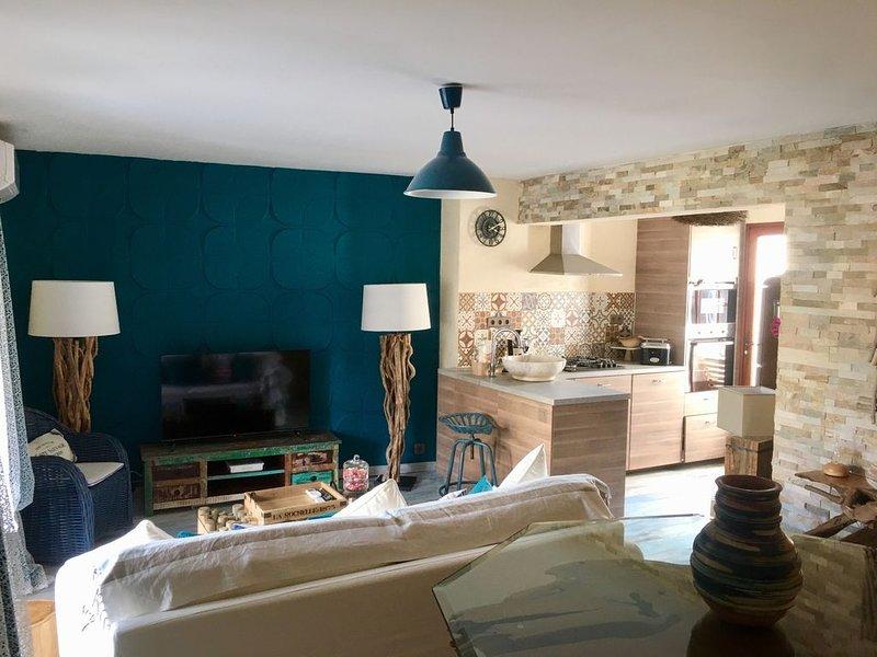 Le Sitel en plein cœur du Brusc au bord de mer de l'île des Embiez et du Gaou, holiday rental in Six-Fours-les-Plages