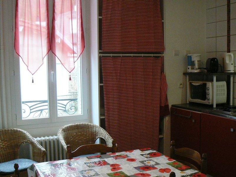 Appartement au calme à La Bourboule - 4 couchages - Vendeix, location de vacances à La Bourboule