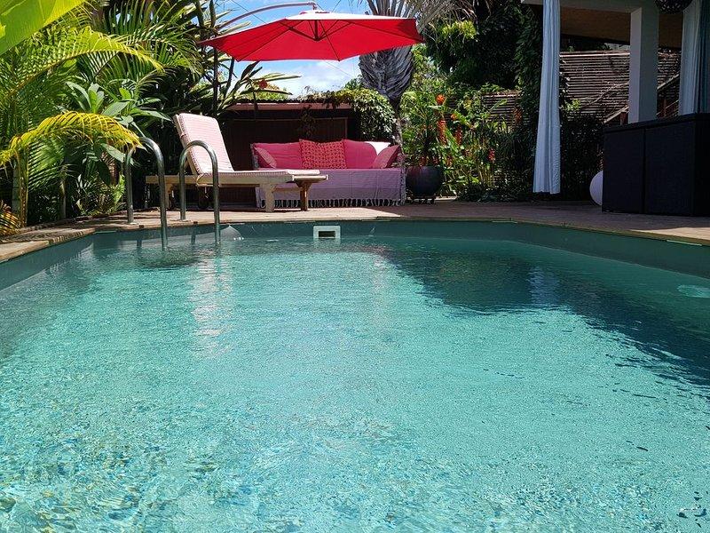 Cocon pour deux avec vue mer et piscine privée, casa vacanza a Saint-Leu