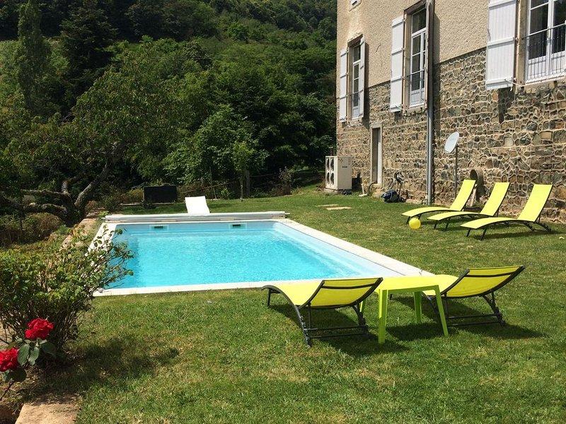Maison de famille au cœur des vignes 'les lupins', vacation rental in Saint-Igny-de-Vers