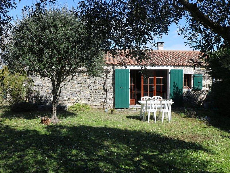 Charmante maison en pierre typique de l'île esprit loft, location de vacances à Saint-Pierre-d'Oléron