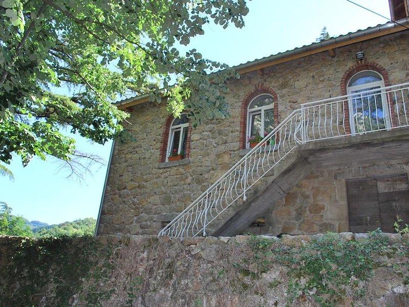 Gîte pleine nature au bord de la Dolce Via, casa vacanza a Gluiras