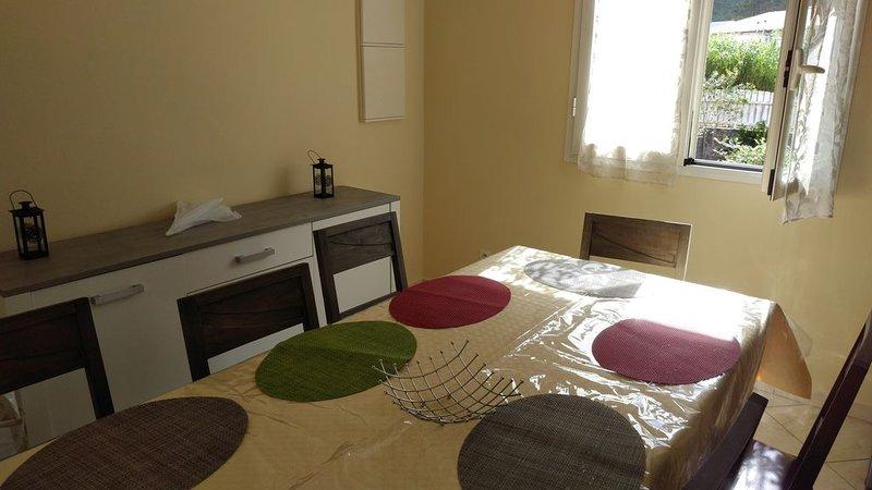 Location saisonnière Maison F4 meublée et equipée, vacation rental in Sainte-Anne