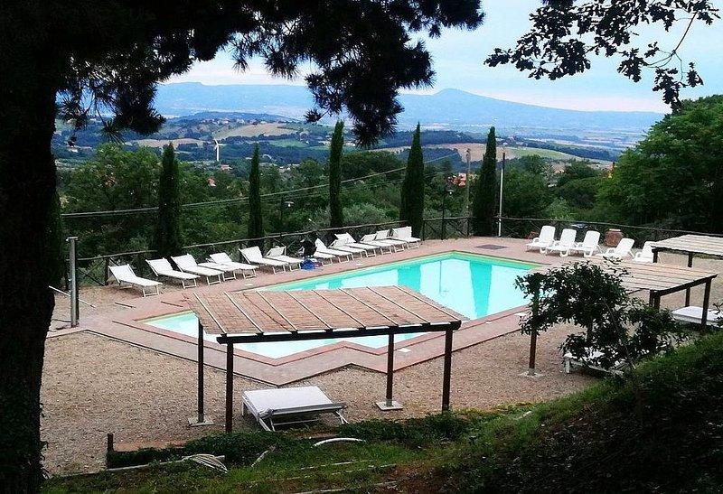 Casa Nocetta A, rimborso completo con voucher*: Un caratteristico e accogliente, holiday rental in Zepponami