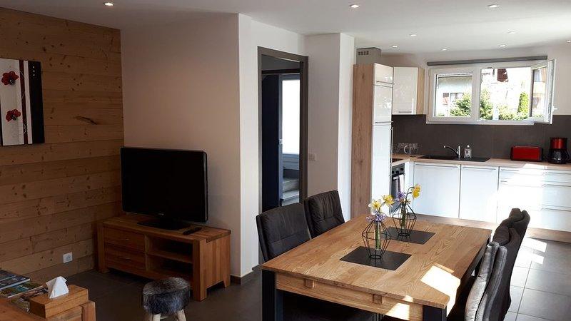 Appartement neuf 4* Cosy dans maison entre Lac d'Annecy  & Stations des Aravis, aluguéis de temporada em Haute-Savoie