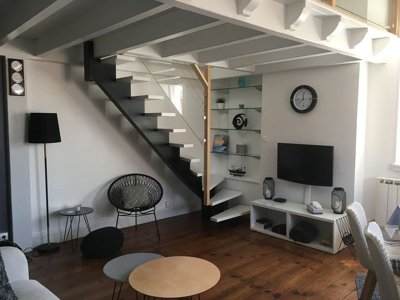 Appartement T3, lumineux, à prox. immédiate de la Grande plage, et des commerces, location de vacances à Saint-Jean-de-Luz