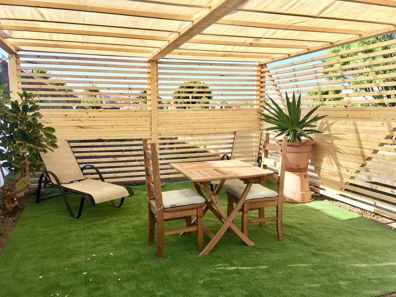 Maison mitoyenne comprenant un appartement calme proche Corralejo, location de vacances à Guisguey