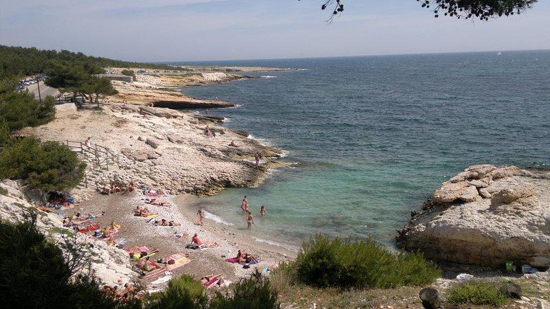 Rez de jardin proche de la mer et trés prisé à Carry-le-Rouet, vacation rental in Chateauneuf-les-Martigues