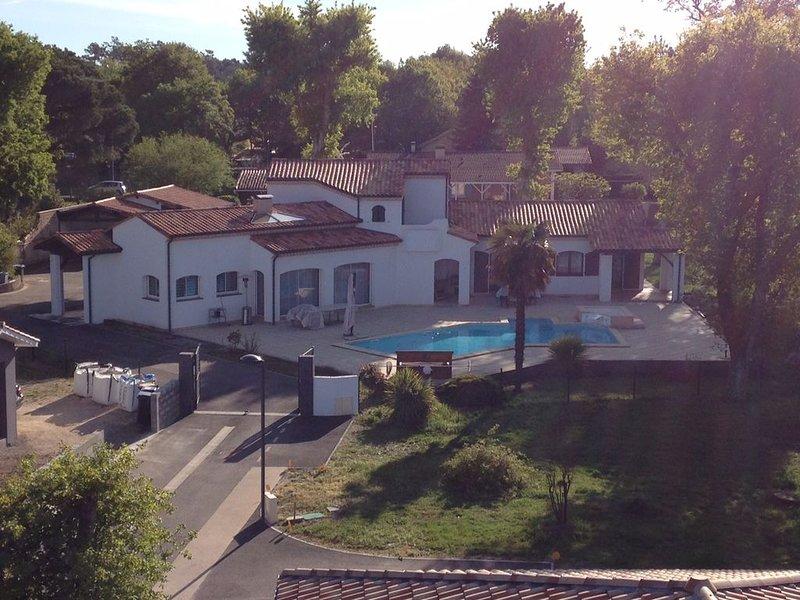 CHAMBRES D'HÔTES BALI AVEC SALLE DE BAIN AU COEUR DU BASSIN D' ARCACHON, location de vacances à Biganos