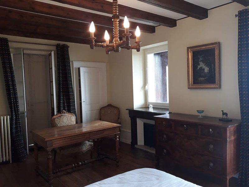 La Détanche Dupas : Appartement tout confort à proximité du golf d'Evian, aluguéis de temporada em Larringes