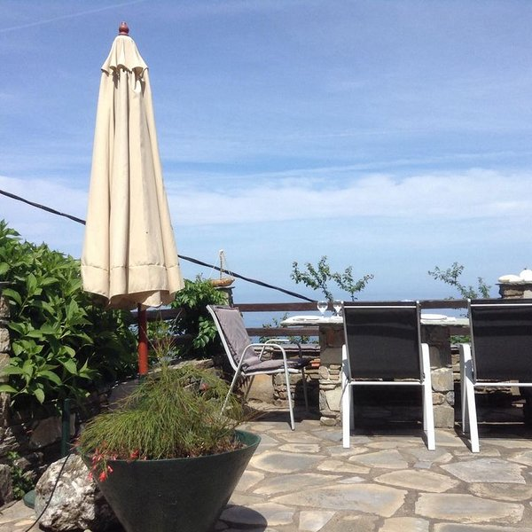 DREAM VIEW A house overlooking the Aegean sea, holiday rental in Kalamaki