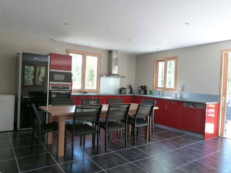 Fully equipped and fully equipped kitchen