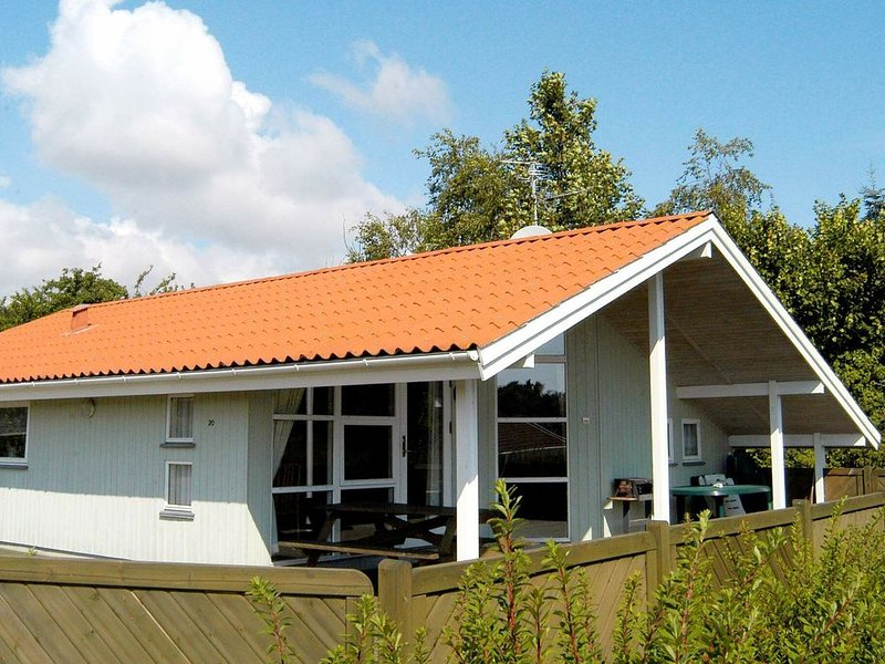 Splendid Holiday Home in Bjert with Roofed Terrace, casa vacanza a Christiansfeld