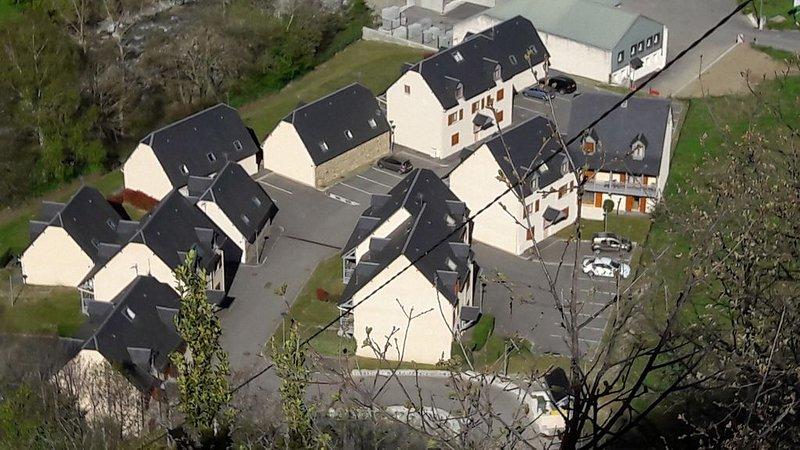 Jolie appartement à la montagne à luz st sauveur, casa vacanza a Saint-Sauveur