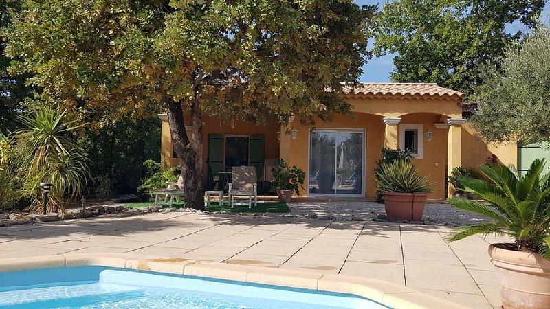 2 pièces 32m² indépendant - au grand calme dans le golf de Barbaroux à Brignoles, holiday rental in Cabasse
