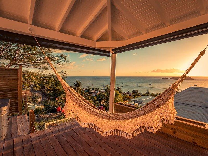 Lodge privatif avec jacuzzi, vue sur les ilets Pigeon imprenable, holiday rental in Mahaut