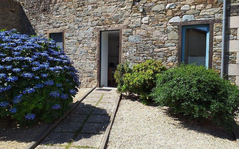 Appartement confortable (48m2) avec jardinet et parking privé, vakantiewoning in Camlez