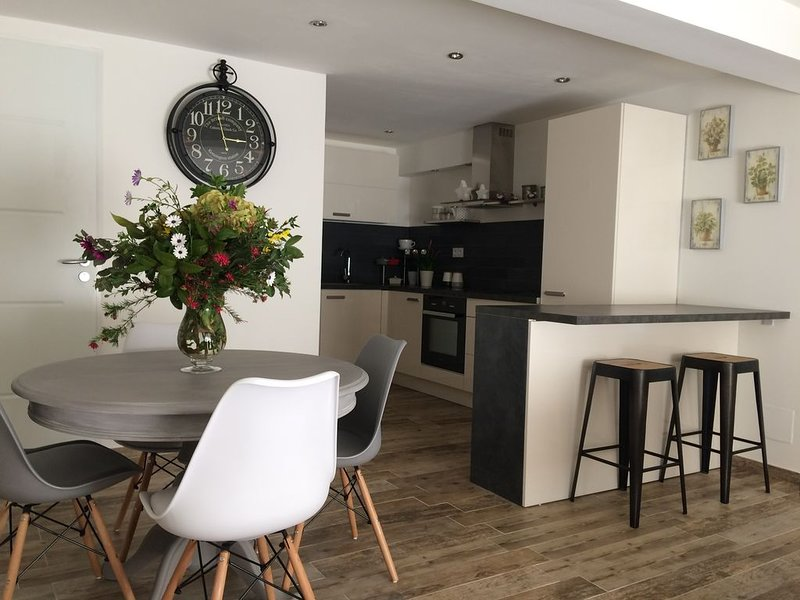 Appartement T2 neuf, rez-de-chaussée de villa, vacation rental in Villanova