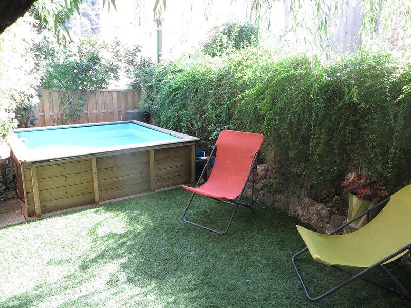 Charmante maison de village provencal, avec petite piscine, casa vacanza a Peyrolles-en-Provence