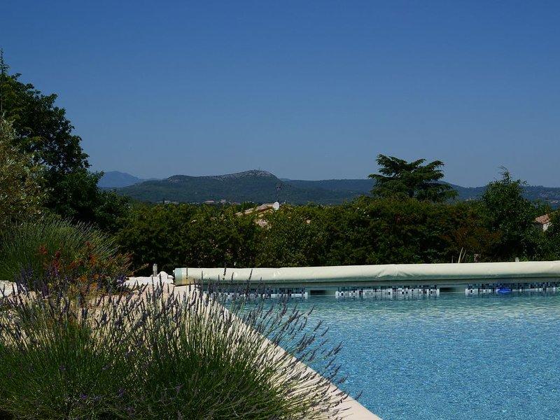 piscine avec vue sur les Cévennes