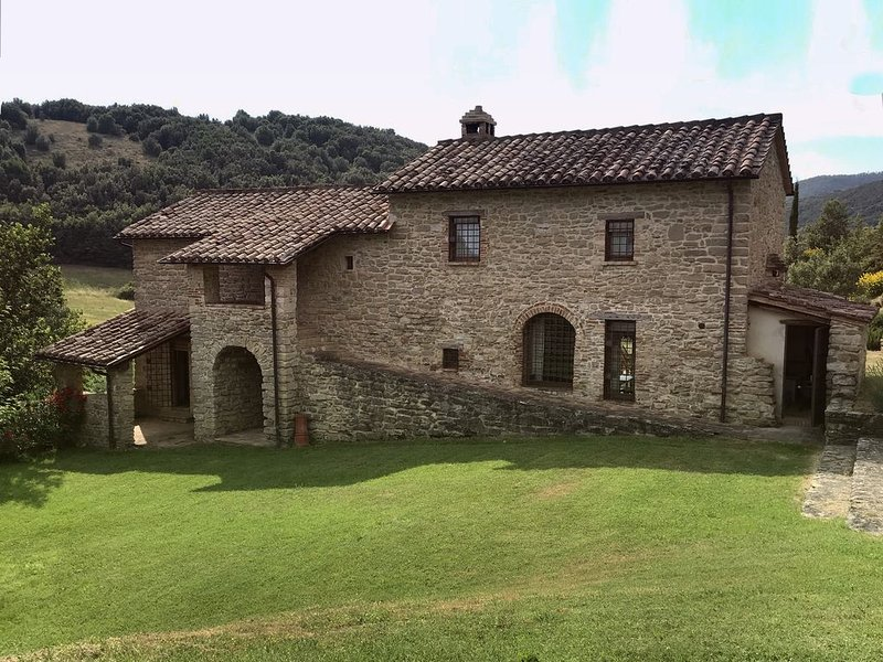 An unforgettable holiday between nature and art. Ideal family friendly location., holiday rental in La Bruna