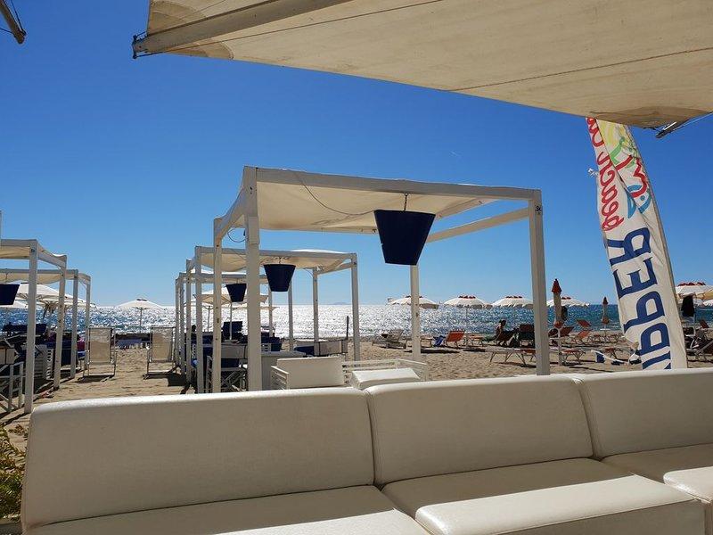 Appartamento a Castiglione della pescaia 100 mt dal mare, holiday rental in Ponti di Badia