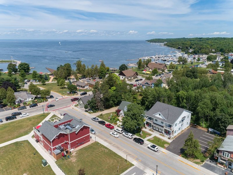 Newly constructed Condominium in the heart of Sister Bay!, holiday rental in Sister Bay