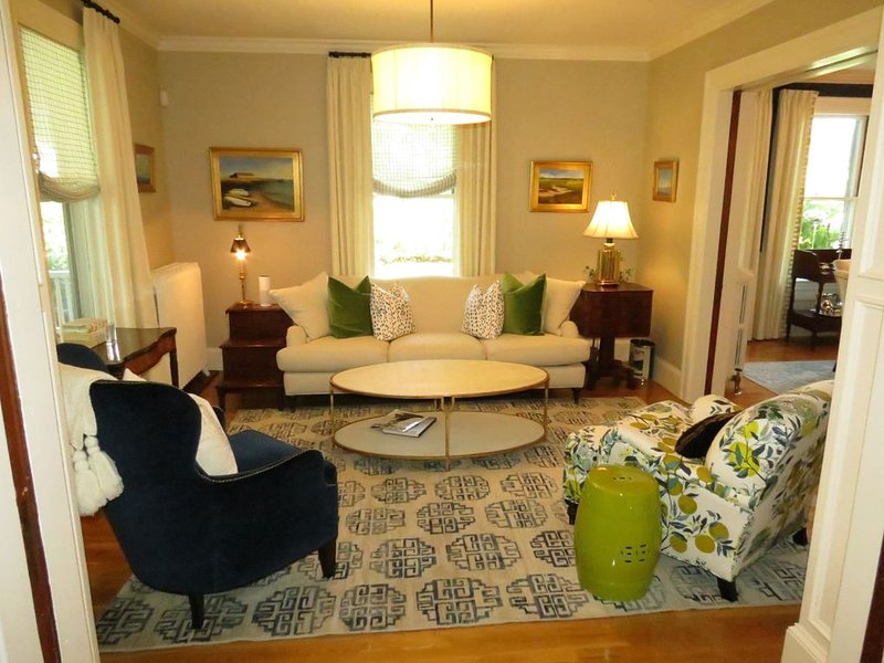 Landmark Hingham Victorian with a salt water pool & spa - children friendly, vacation rental in Hull