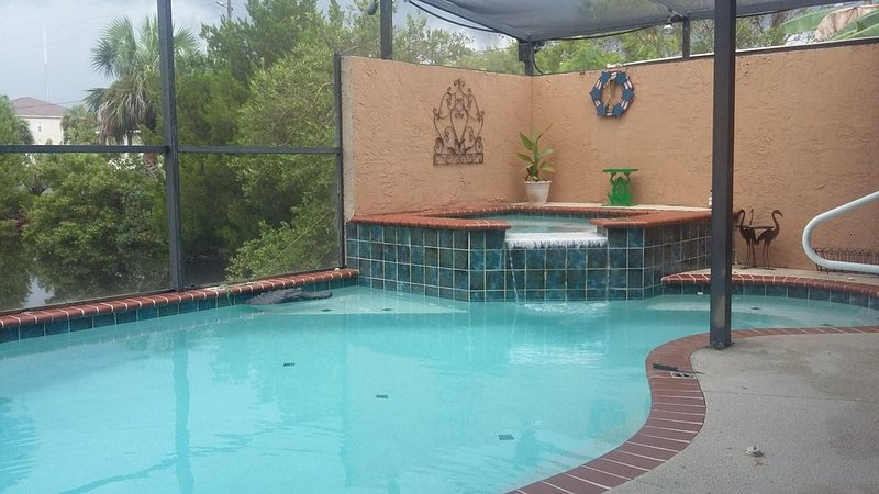 Waterfront home on deep water canal, holiday rental in Hernando Beach
