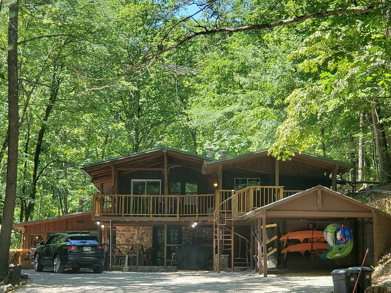 Private Paradise On Lake Ouachita!! Must See!!, holiday rental in Pencil Bluff
