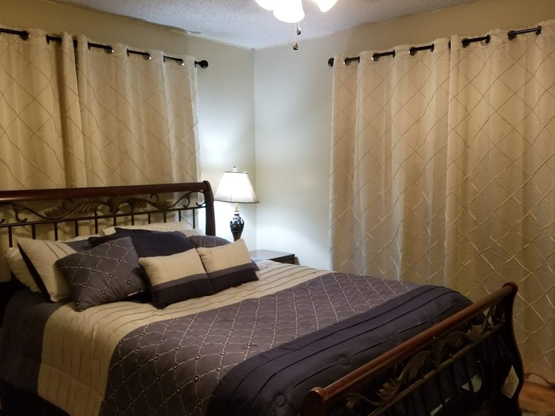 CANTERBURY CABIN * Relax in this Cozy Cabin off the beaten path!, holiday rental in Hot Springs