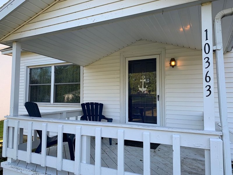 Spacious Coastal Abode in Van Buren Point, holiday rental in Cassadaga