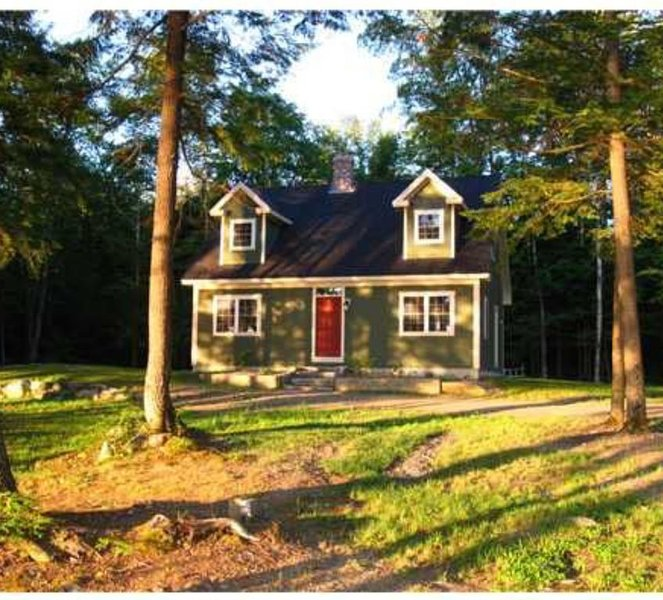 4 Season Waterfront Retreat Embden, ME - SKI, KAYAK, FISH, RAFT, HIKE & MORE!!!, holiday rental in Kingfield