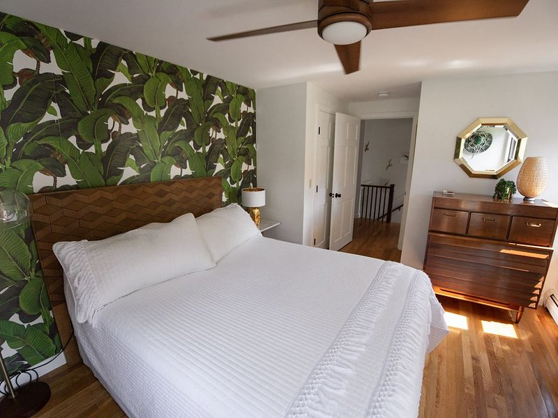 The Haabah--NEW!--Retreat on Good Harbor Beach, holiday rental in Gloucester