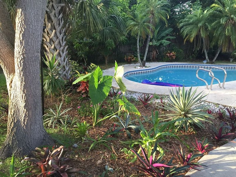 Relaxing Pool Home Away from Home – semesterbostad i Largo