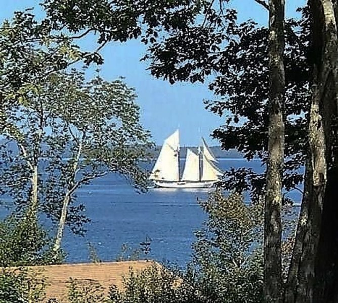 Midcoast Maine Cottage with a View!, holiday rental in Searsport