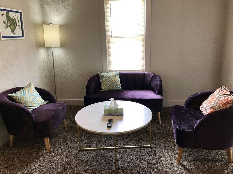 Cute and Comfortable Retreat in Central Lubbock, location de vacances à Lubbock