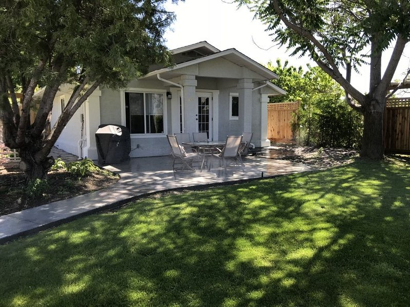 10 Wren Place, Front Suite, holiday rental in Osoyoos