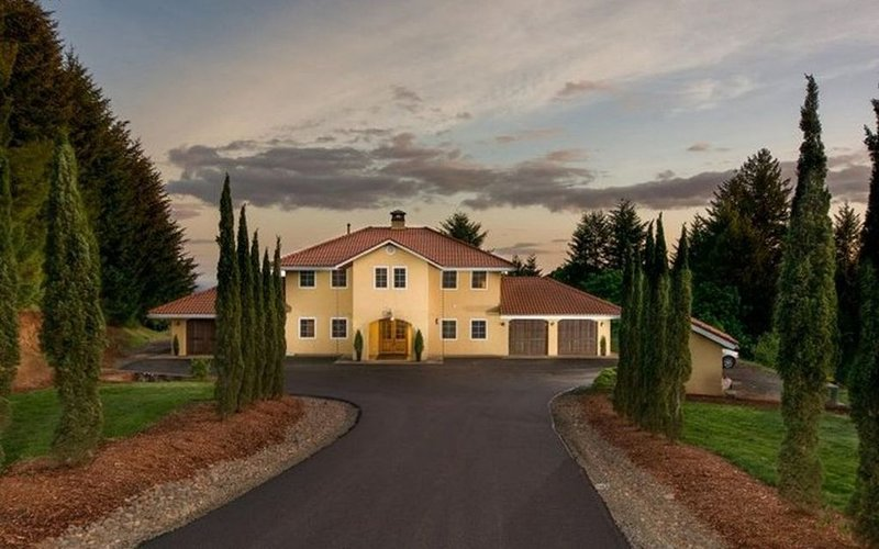 Beautiful Estate Home Centrally Located in Oregon Wine Country, vacation rental in Yamhill