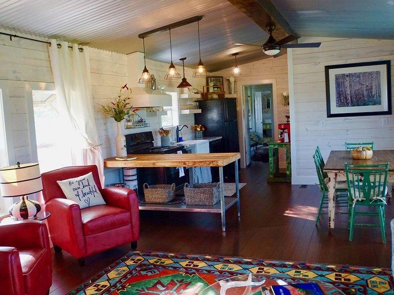 Black Dog Cabins - Round Top, TX, aluguéis de temporada em Round Top