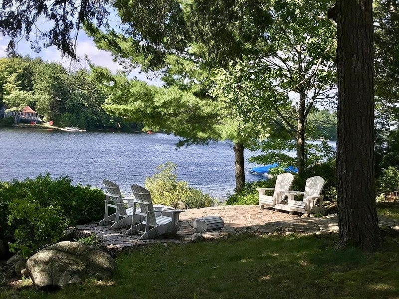 Bala-Retreat on Moon River in Muskoka, holiday rental in Big Chute