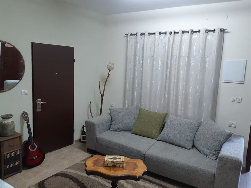 local and cozy appartment, casa vacanza a Nazareth