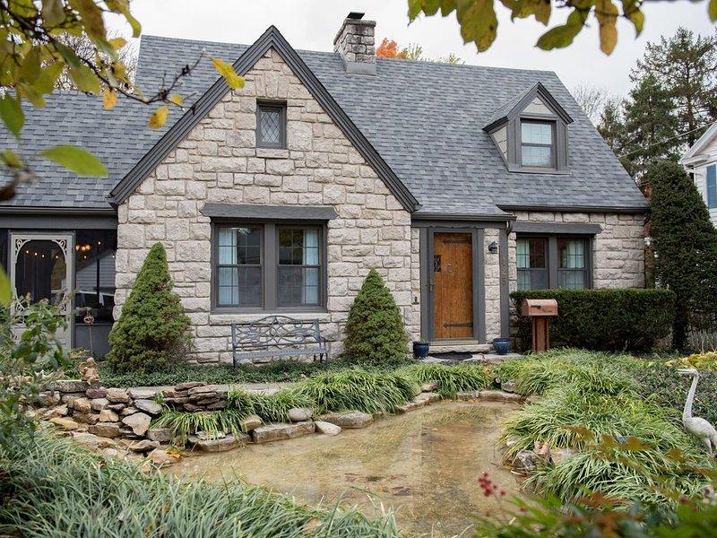 Historical Downtown 'Bissman Cottage' 1932  Built by CA Bissman Complete Remodel