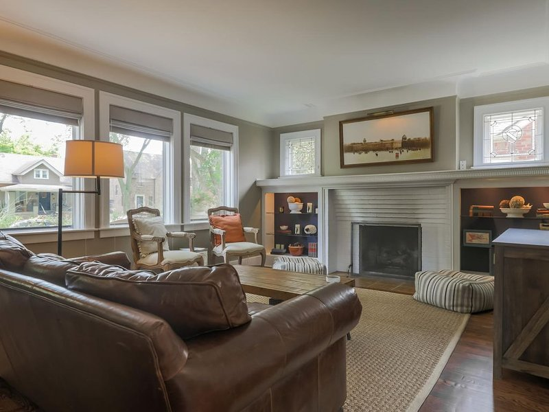 Charming Grosse Pointe Flat in The Village, vacation rental in Harper Woods