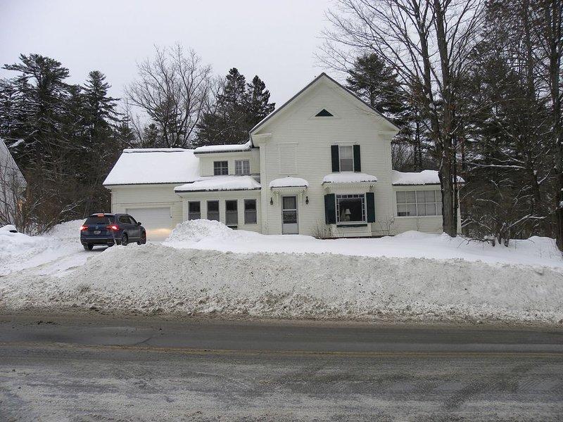 La maison après une neige récente. Parfait pour le ski ou le snowboard.