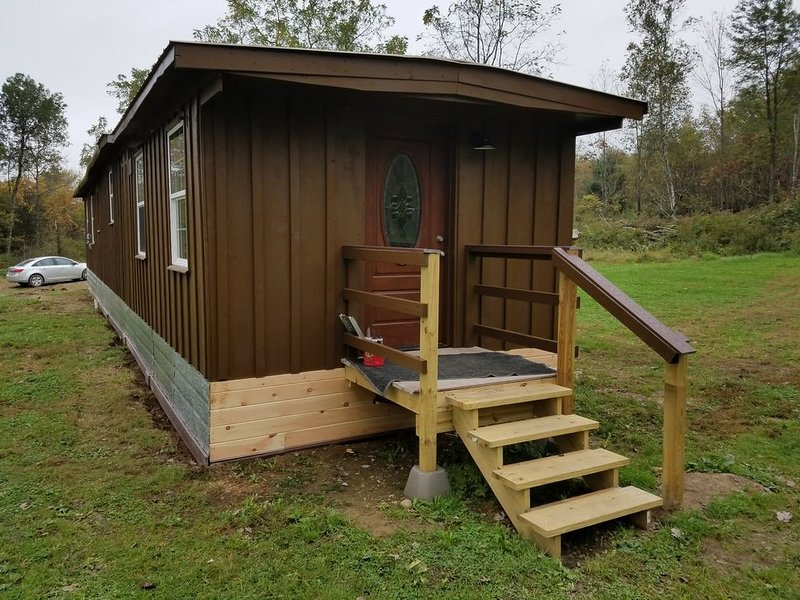 Tiny house close Ricketts Glen State Park available for daily rental. Furnished!, holiday rental in Benton