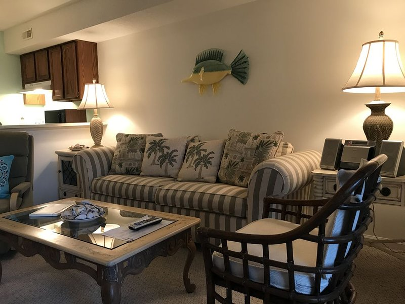 Beach Bunny Relax and Enjoy!, holiday rental in Myrtle Grove