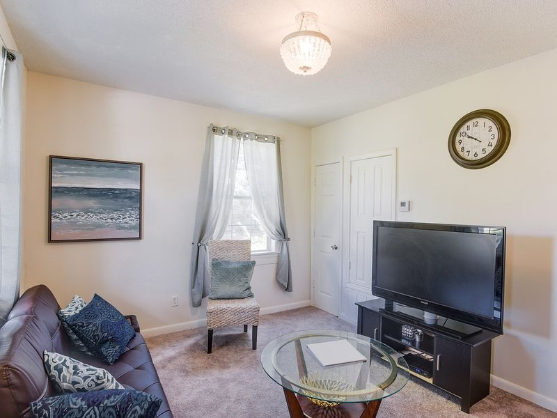 East hill cottage✨10 min to Downtown✨, holiday rental in Brent